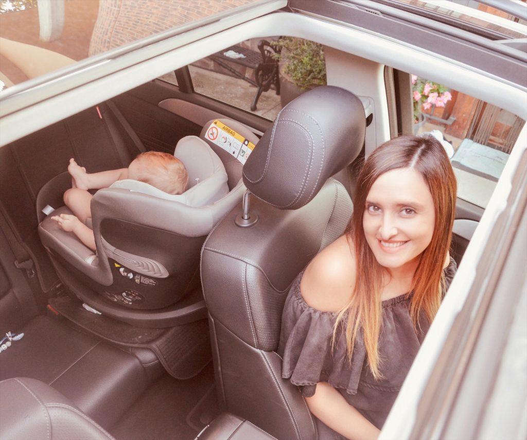 Las sillas de auto de Alejandra y Manuel